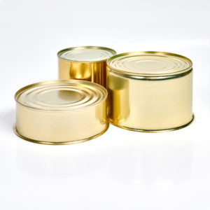 Konservendosen Typ E, glatter Deckel montiert, ohne Boden, innen weiß lackiert, außen gold